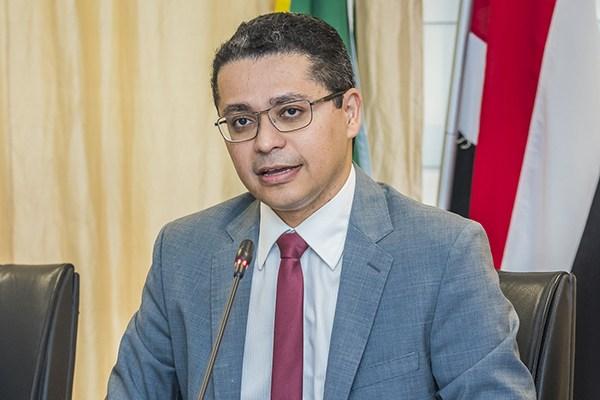 Secretario de Saúde Carlos Lula
